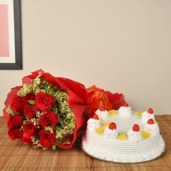 Red Roses n Pineapple Cake